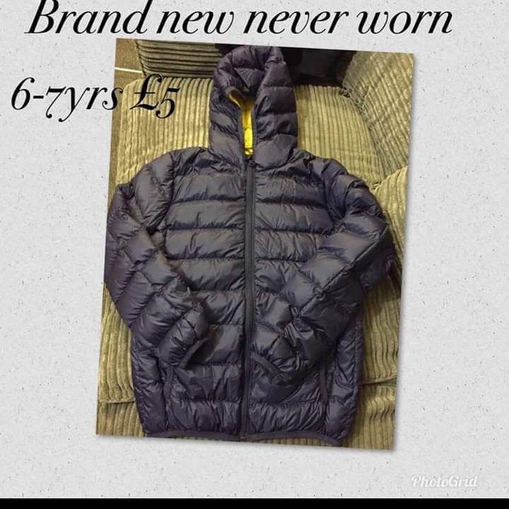 Boys rain coat 6-7yrs