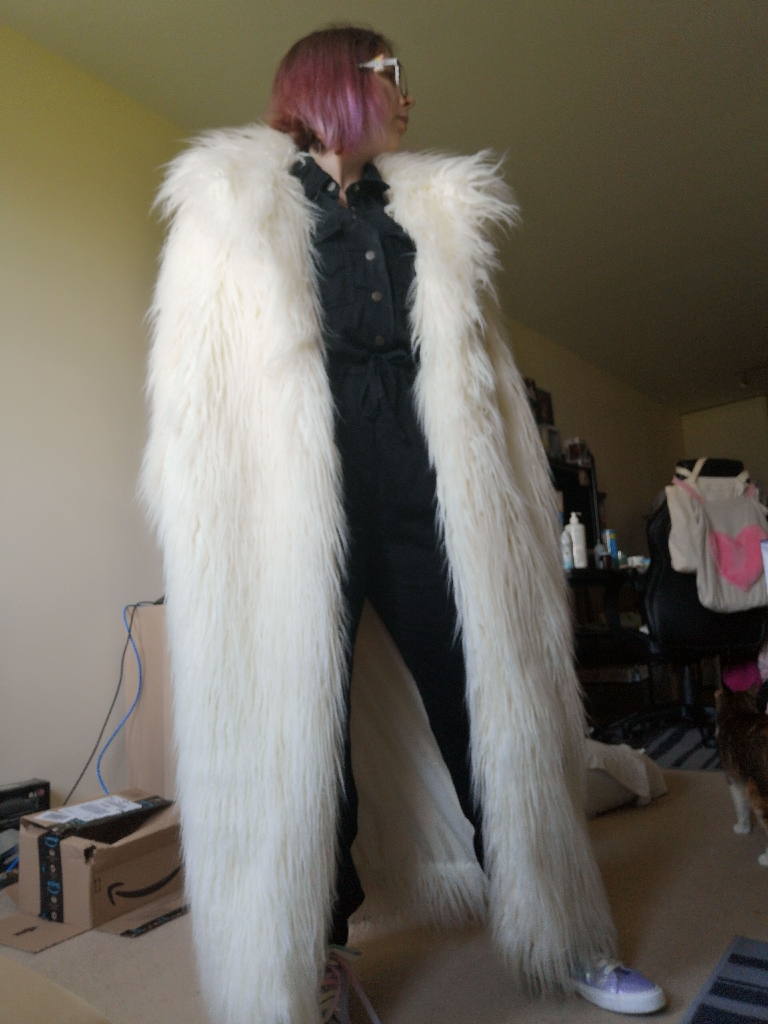 Coat of synthetic fur
