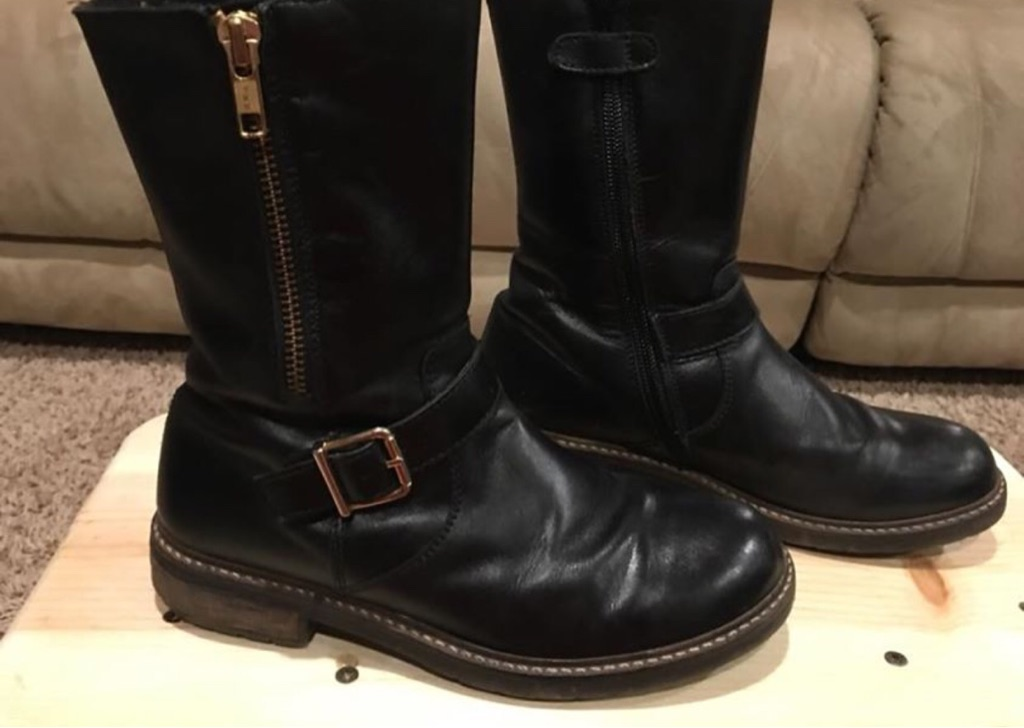 Girl's black high quality leather boots, size 2.5