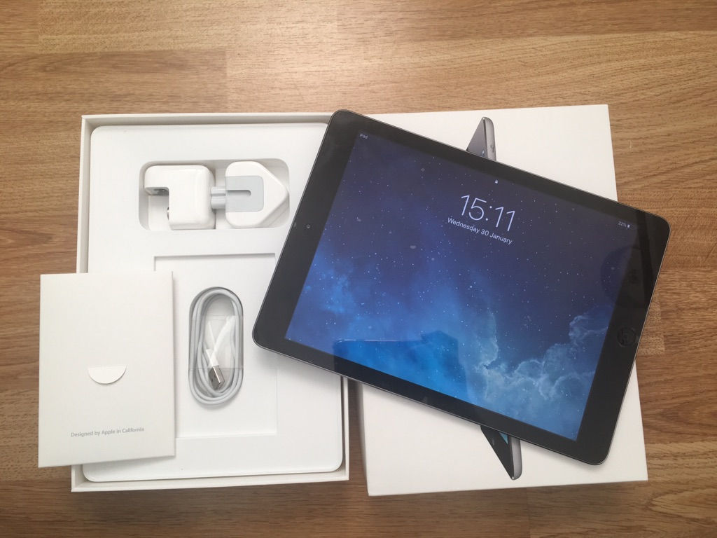 iPad Air 32gb space grey