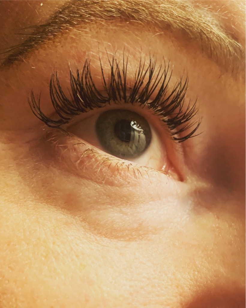 Eyelash Extentions - FlutterByDT - Introductory offer, £35 full set of classic lashes