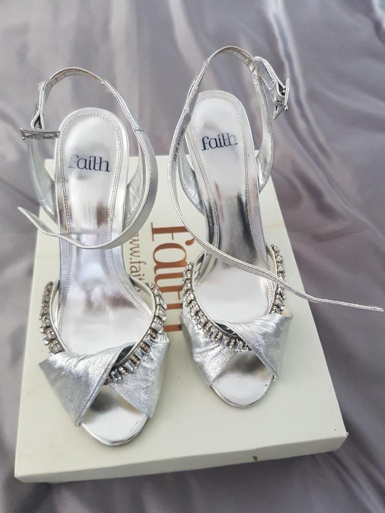 Silver faith sandal size 7