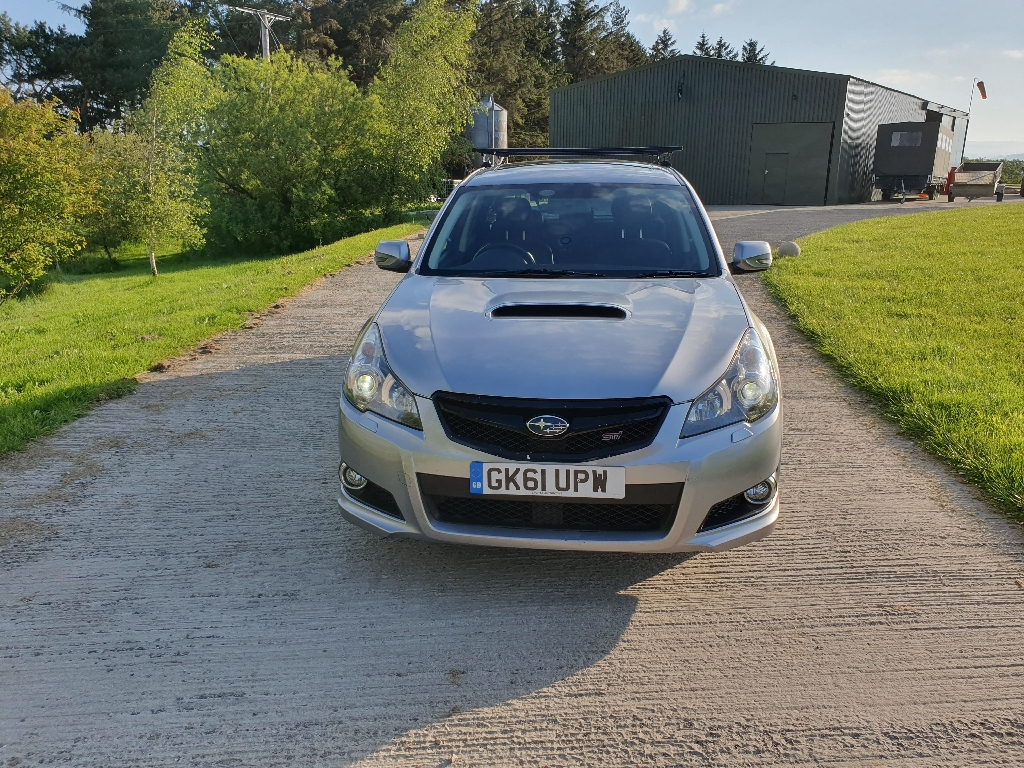 Subaru Legacy 2.0D STI