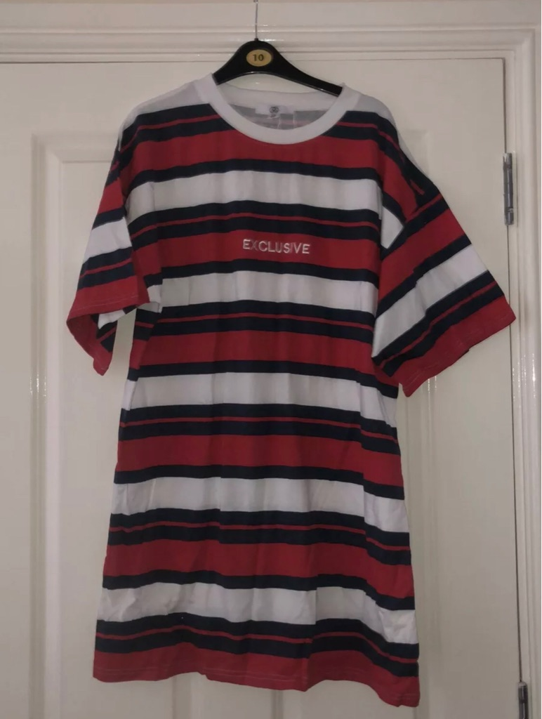 Missguided size 8 oversized tshirt