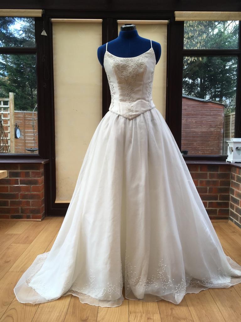 Wedding dress size 8, Sarah Rhodes