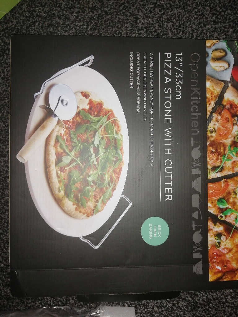 Brand New Pizza Stone With Cutter
