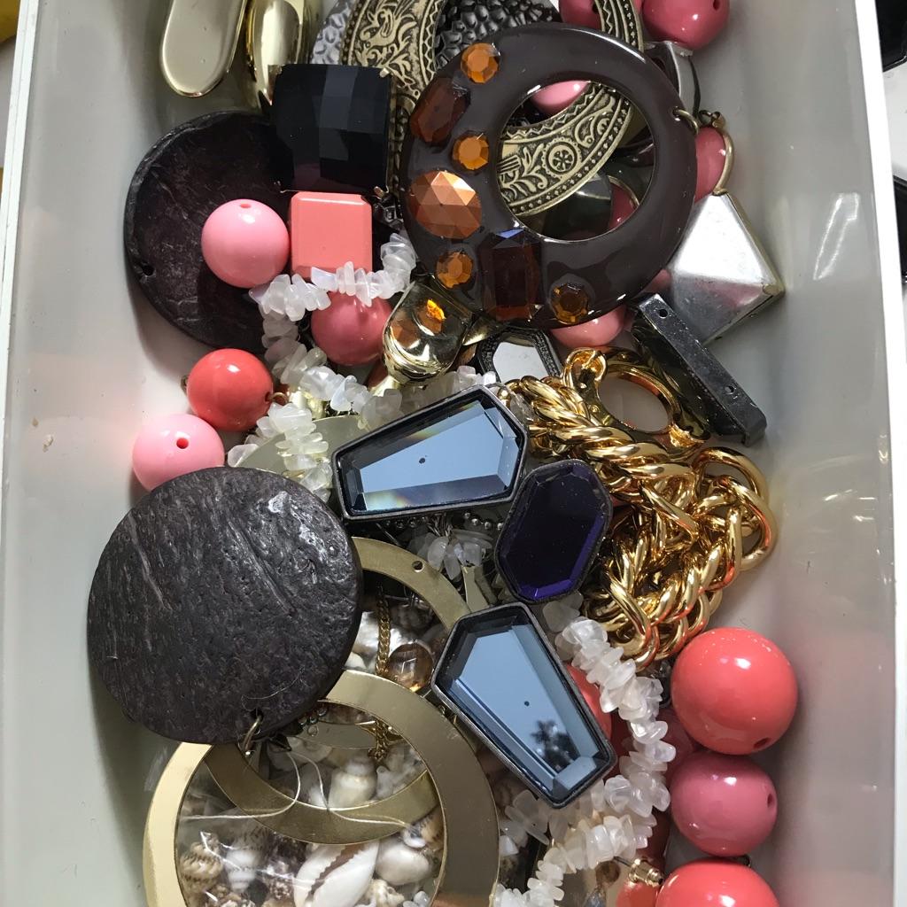 Broken Jewellery bits