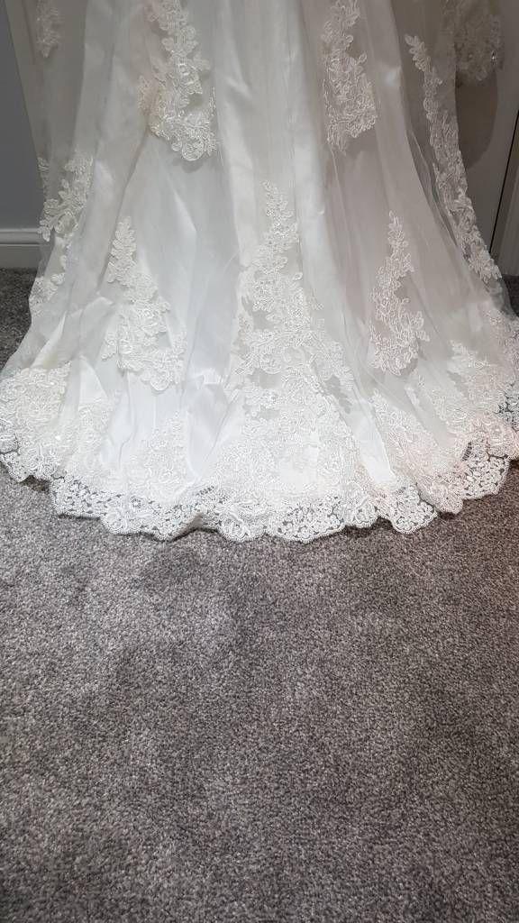 Backless Fabia Ivory Wedding dress