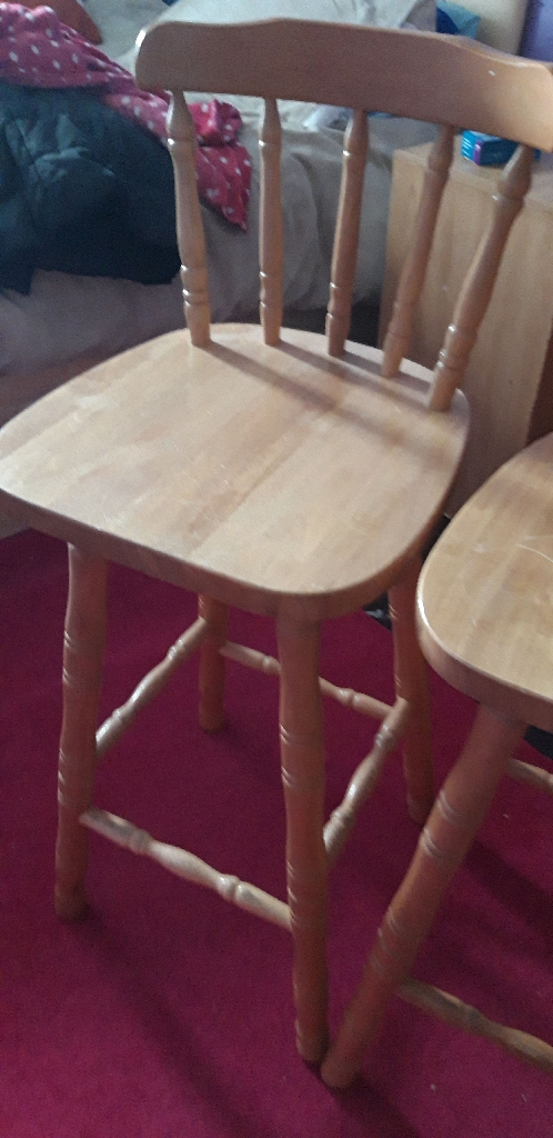 2 SOLID PINE BREAFAST BAR CHAIRS VGC