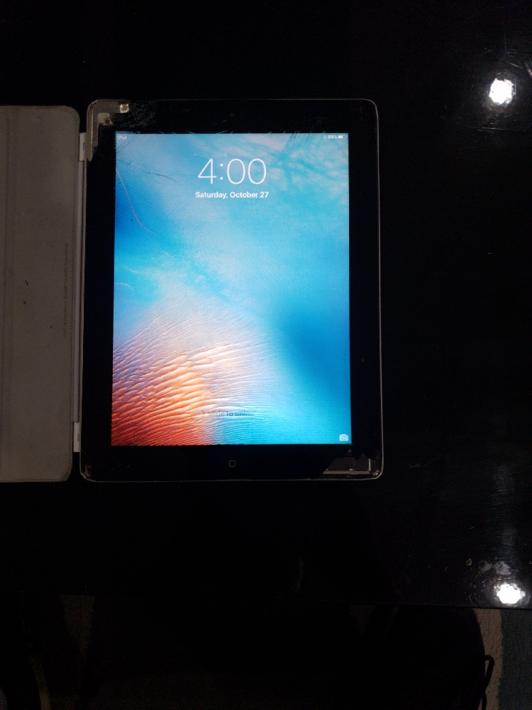 Apple iPad 32gb (2 generation)