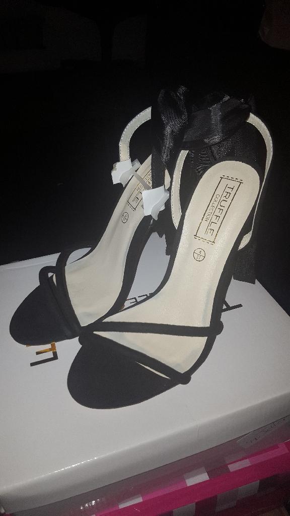 Black Bow Tie heels (Size 4)