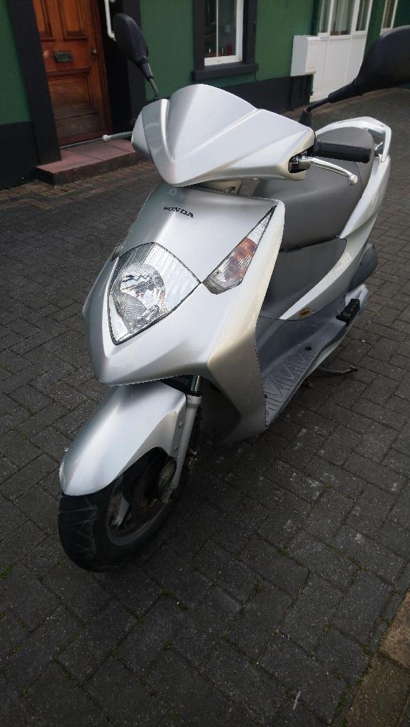 125cc Honda Dylan