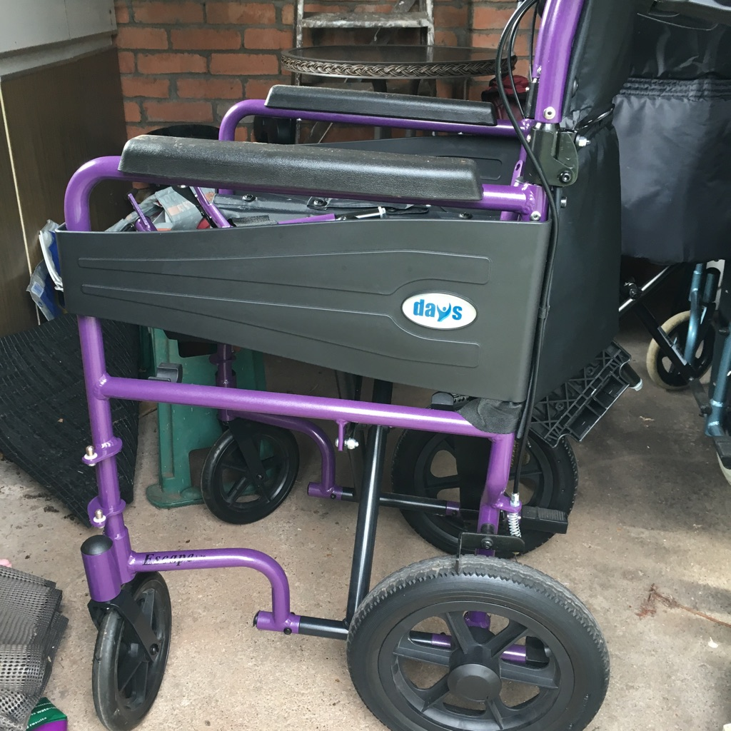 Fully collapsible light weight wheel chair
