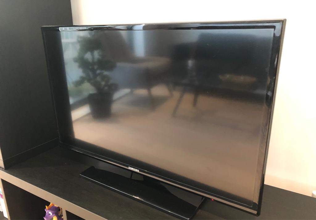 TV FULL HD 32''