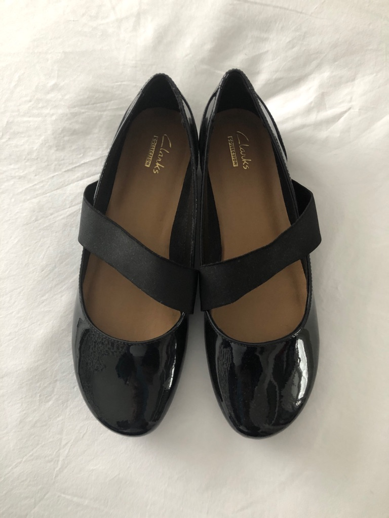 Clark's Black Patent Leather Mary Janes Size 4.5 brand new