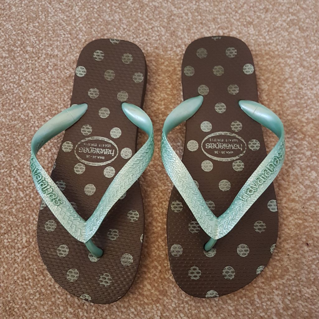 Havaiana flip flops size 4