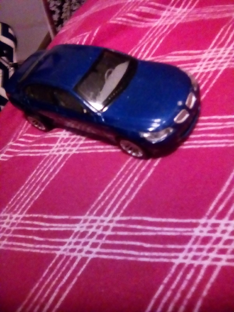 BMW shelf car