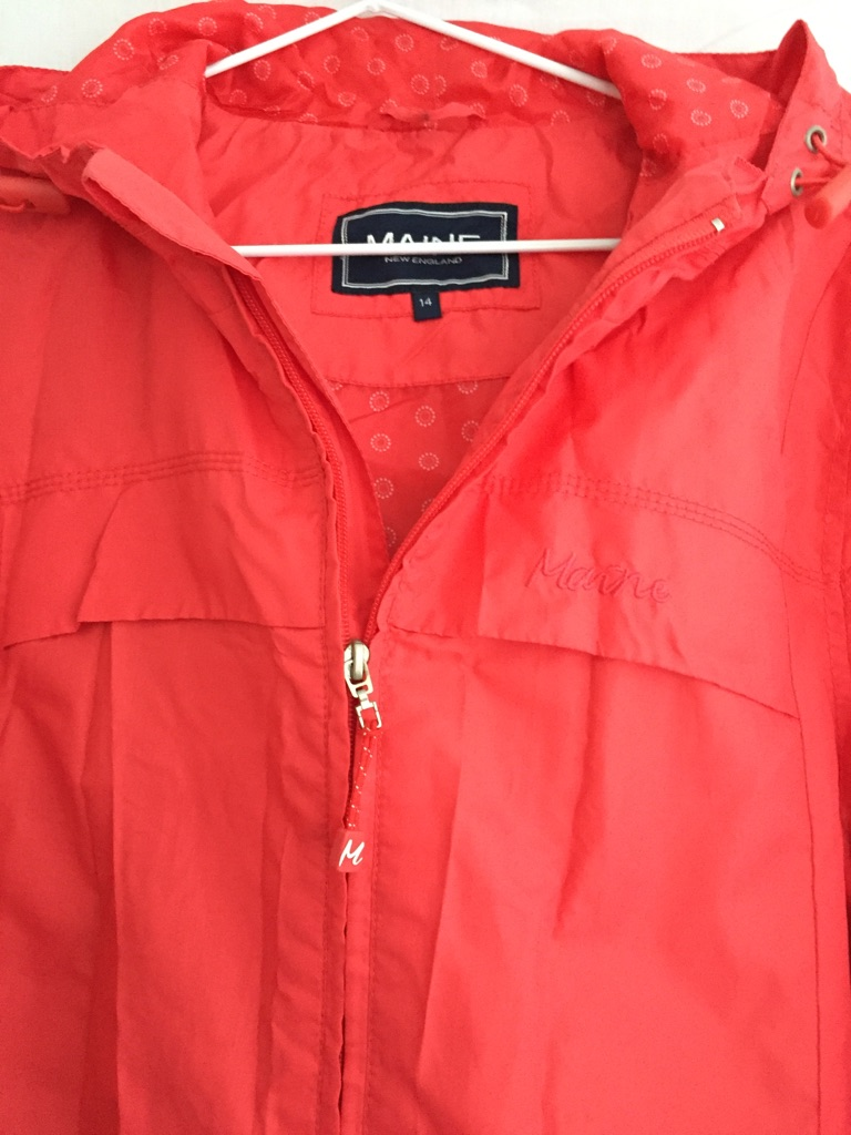 REDUCED 'Maine' ladies red shower resistant jacket