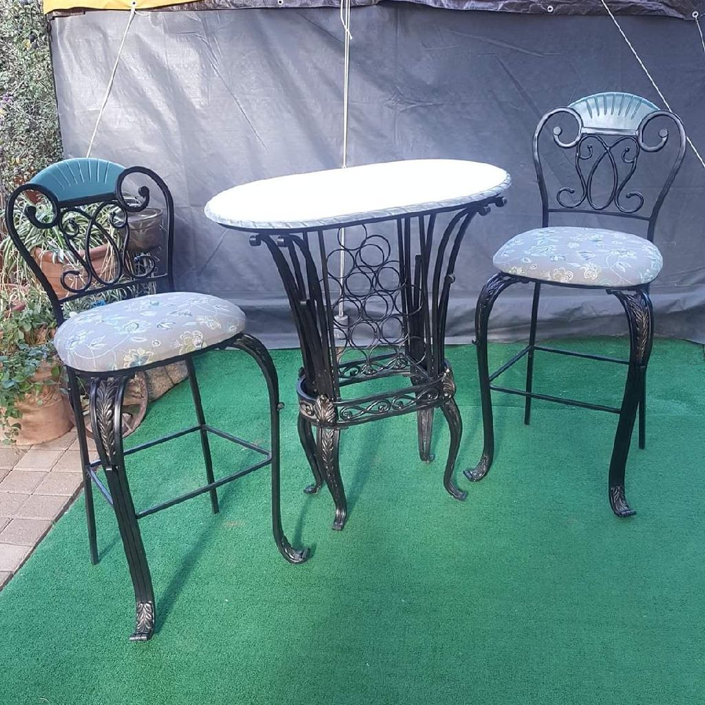 ELEGANT TALL TABLE AND (2) CHAIRS
