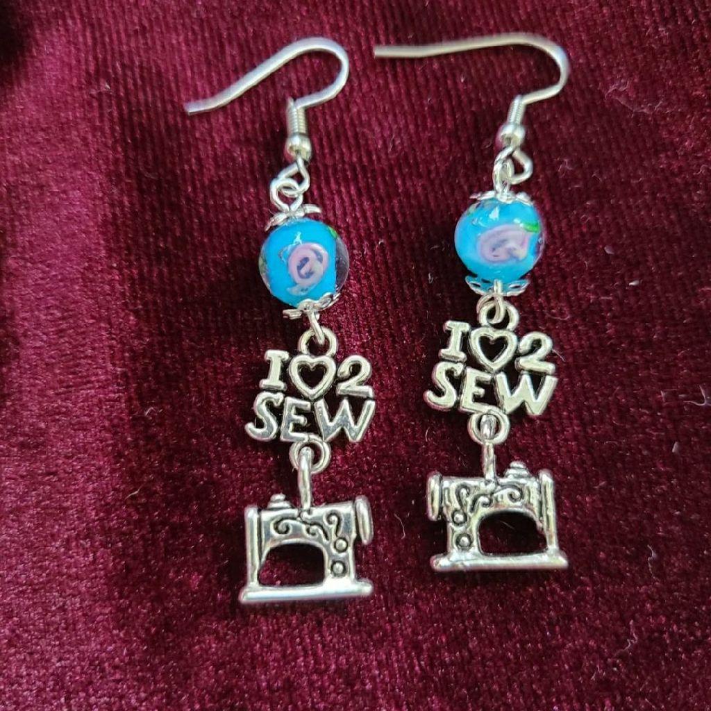 I love to sew earrings sewing machine earrings singer mom grandma