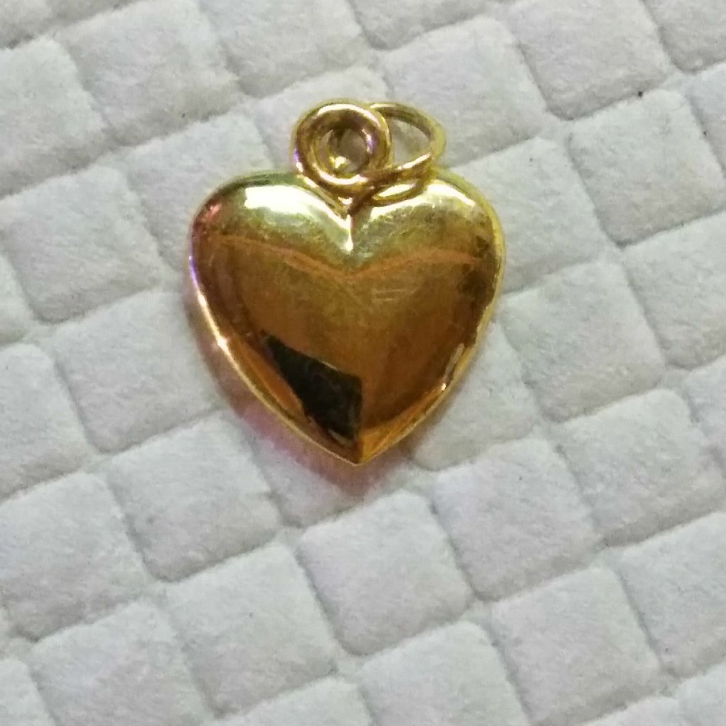 Goldtone puffed heart charm