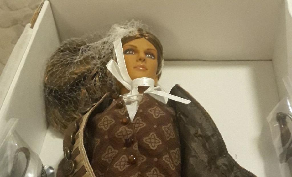 Tonner High seas Elizabeth Swann doll