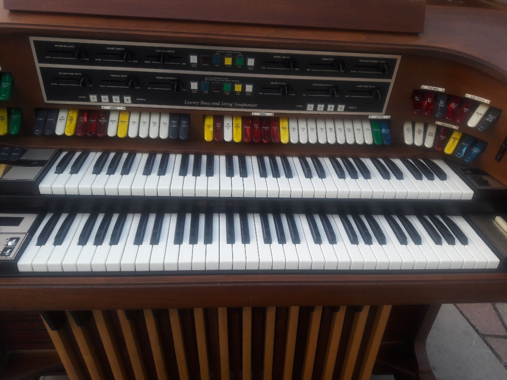 Lowry Symphonic Theatre Electric Organ