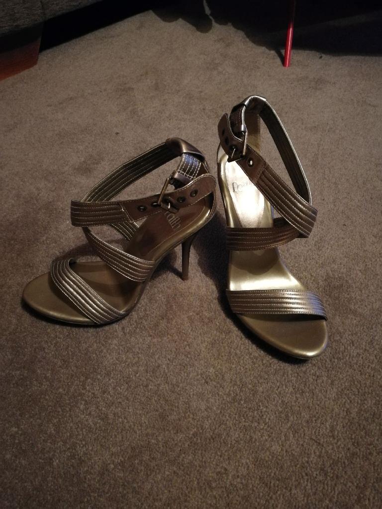 Faith heels size 4