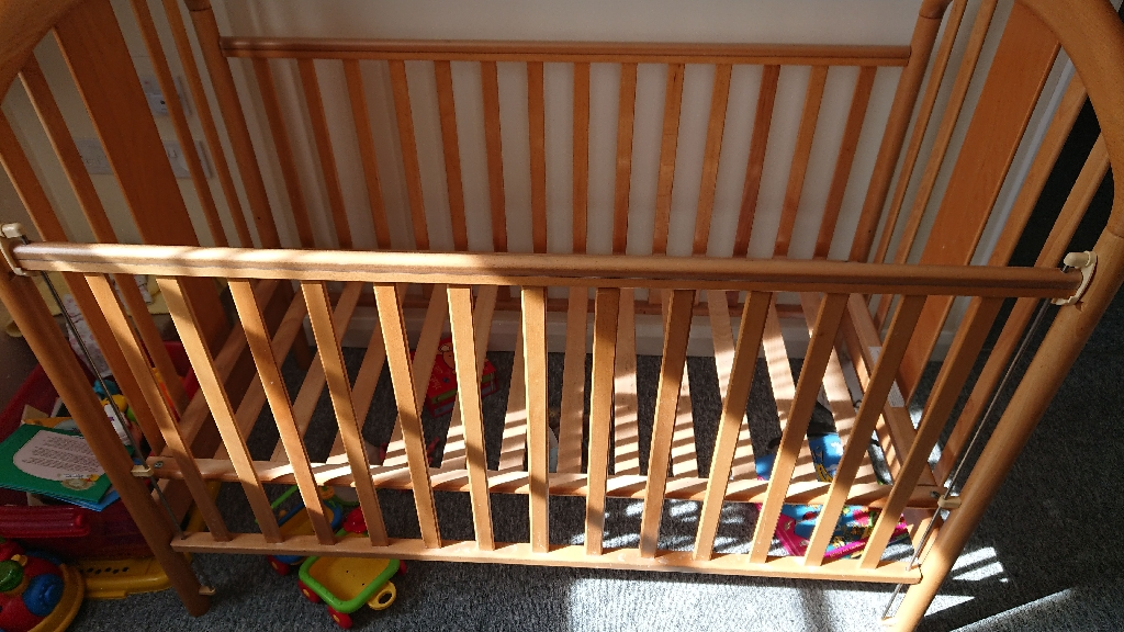 Mama's and papas cot
