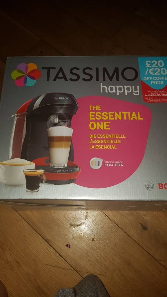 Tassimo black and red with latte glasses
