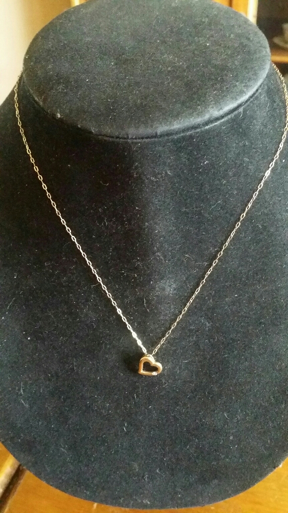 9ct gold Diamond Heart necklace