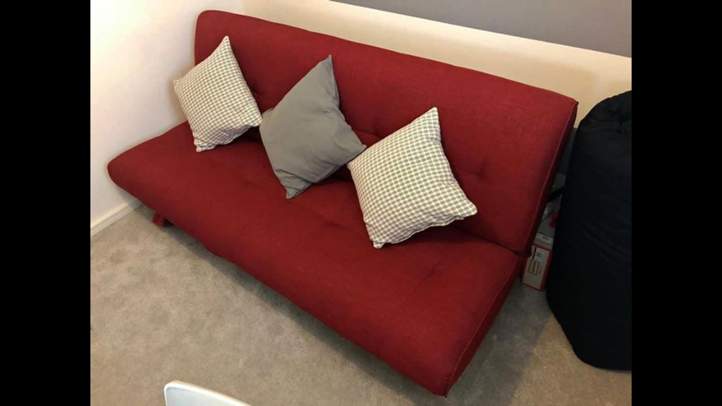3 seater red fabric sofa bed/futon
