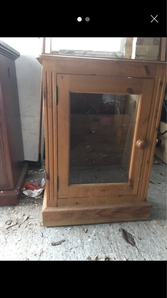 Distressed pine glass unit
