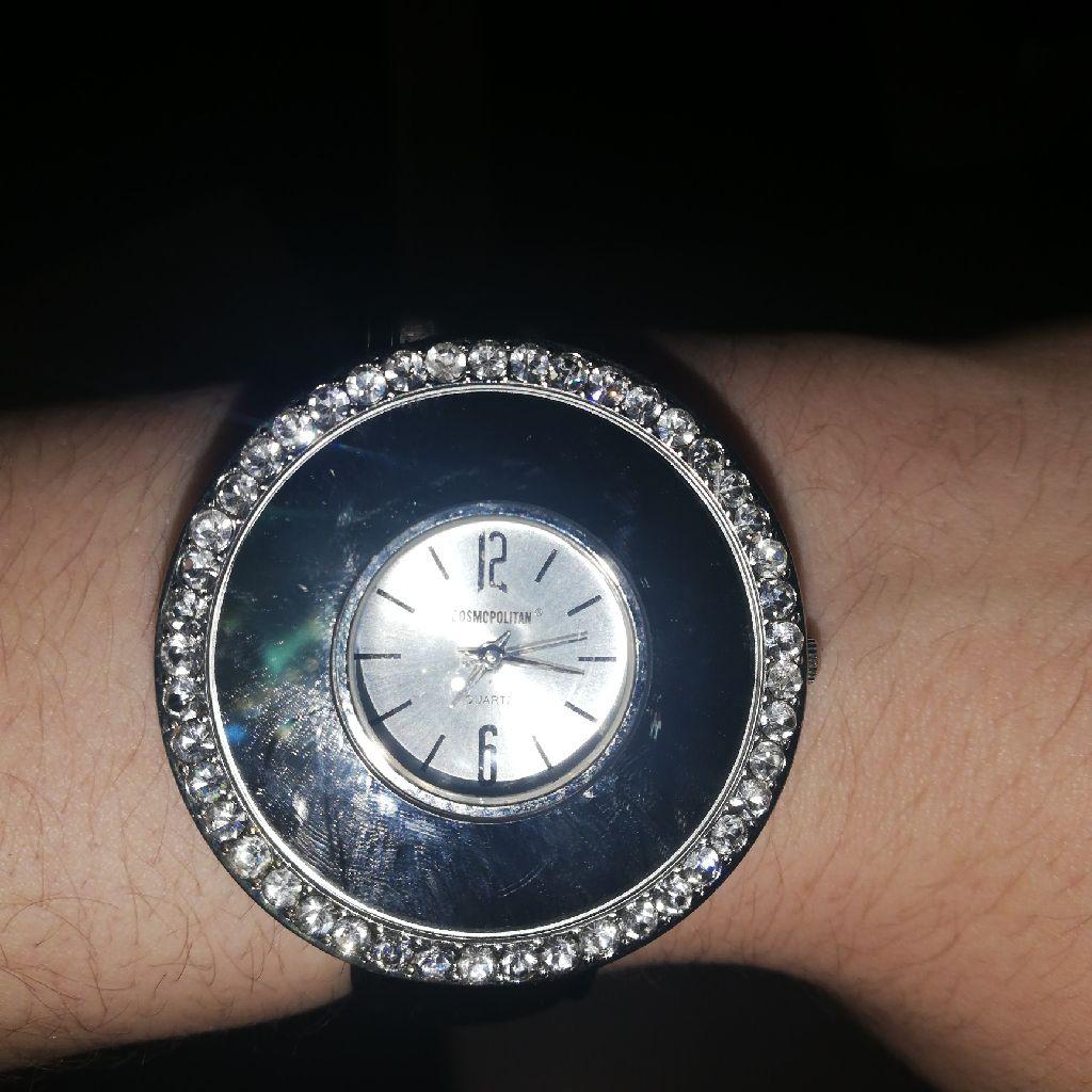 Womens cosmopolitan quartz watch
