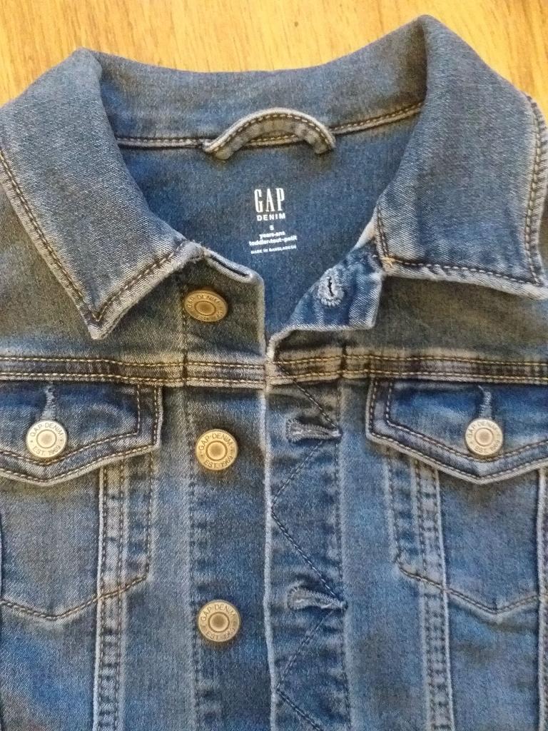 Gap kids jacket 6y.