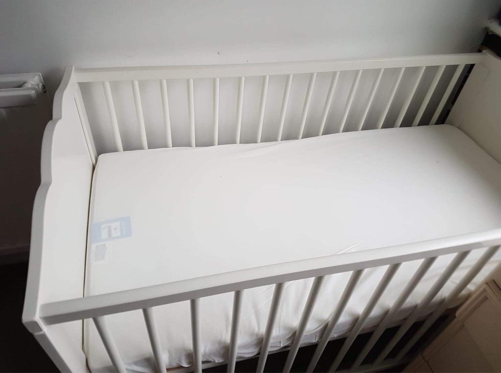Cots bed