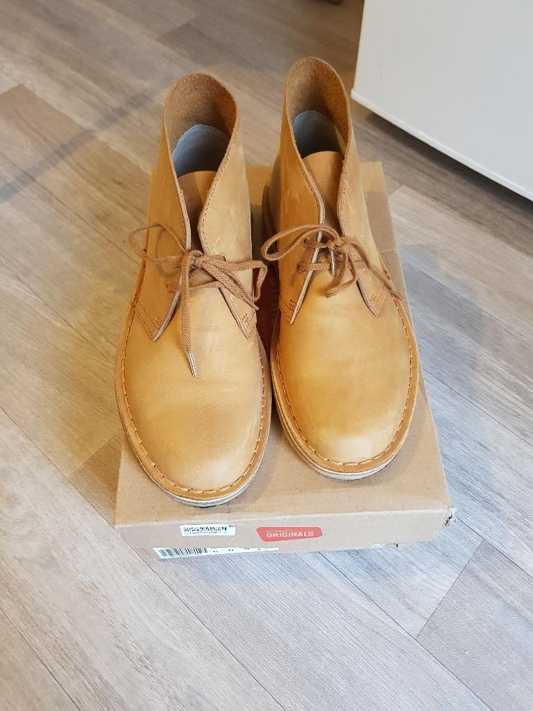 Desert Clark Boots Size 6