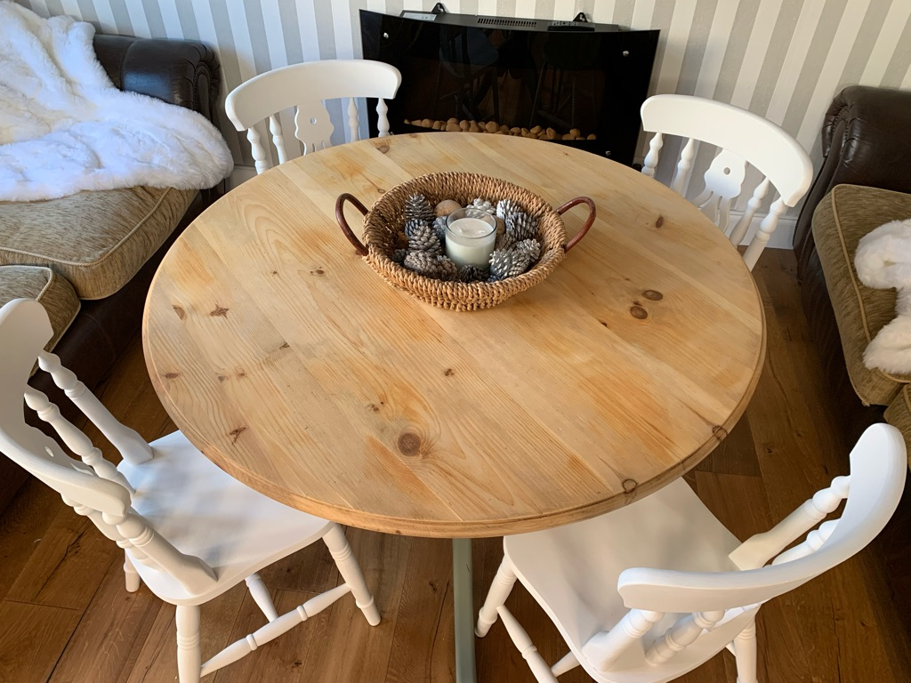 Shabby chic farmhouse pine dining table and x4 chairs