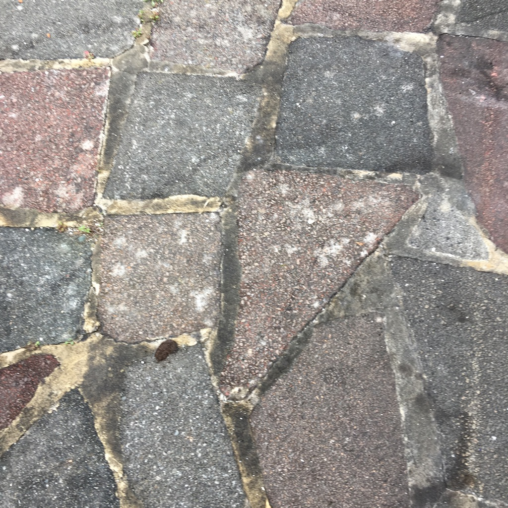Crazy paving up to 40 metres for free