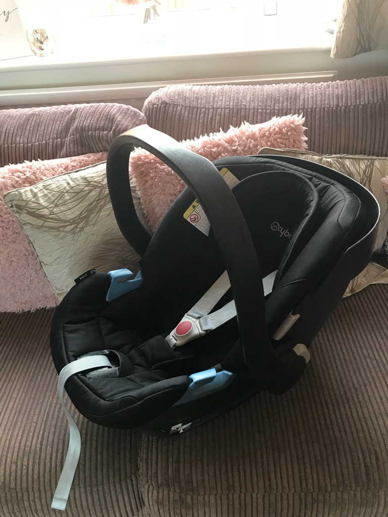 Oyster 2 pushchair bundle