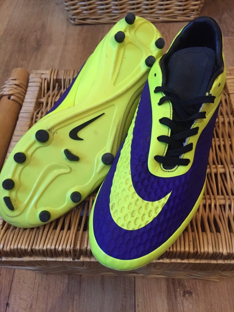 Football boots Nike size 7