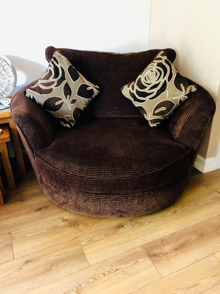 3seater sofa and cuddler chair