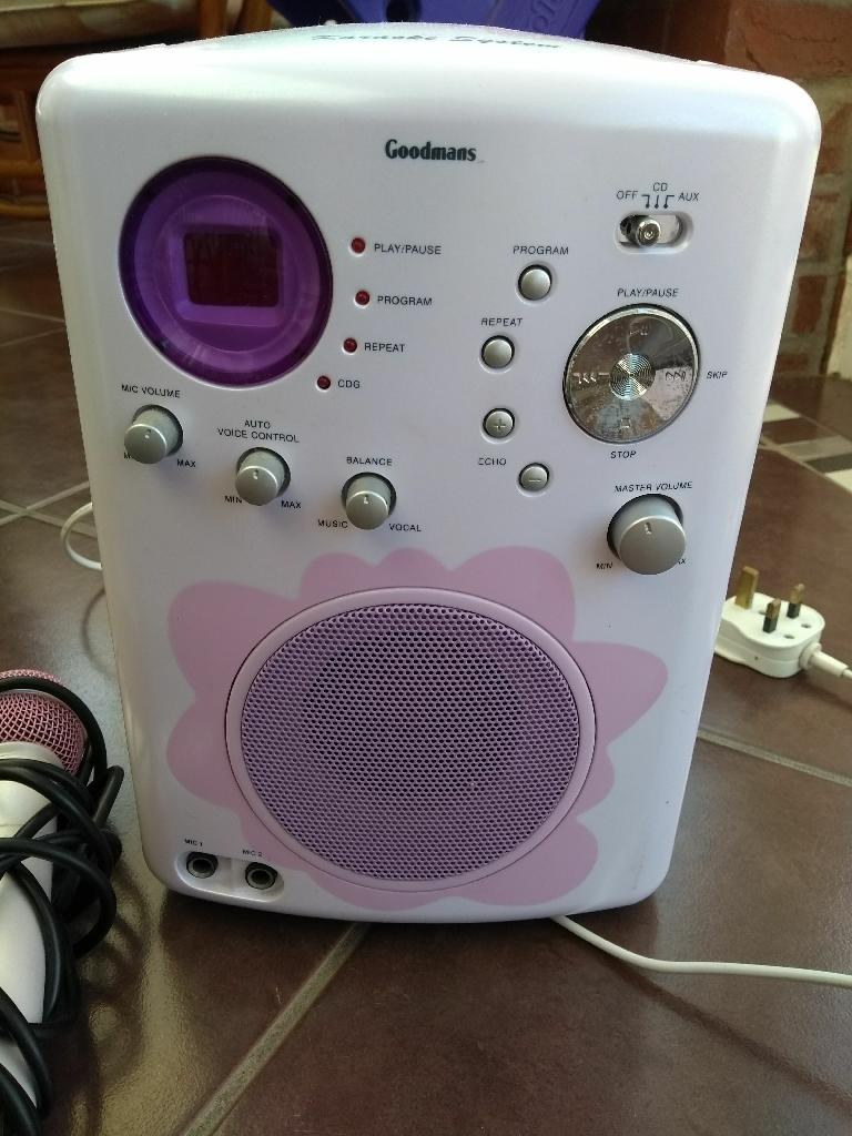 Goodmans Karaoke machine with 2 microphones