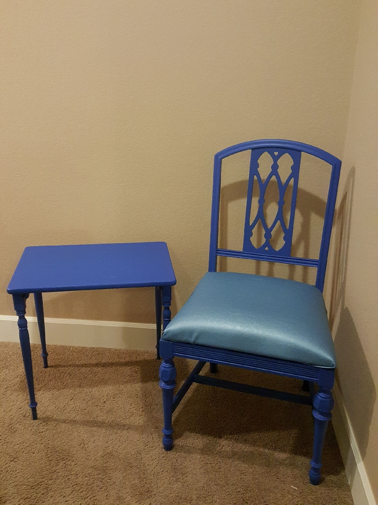 Sea Blue Seating Area Chair Set