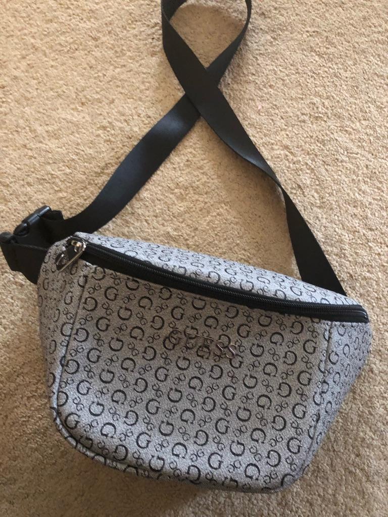 GUESS WAIST BAG NEW