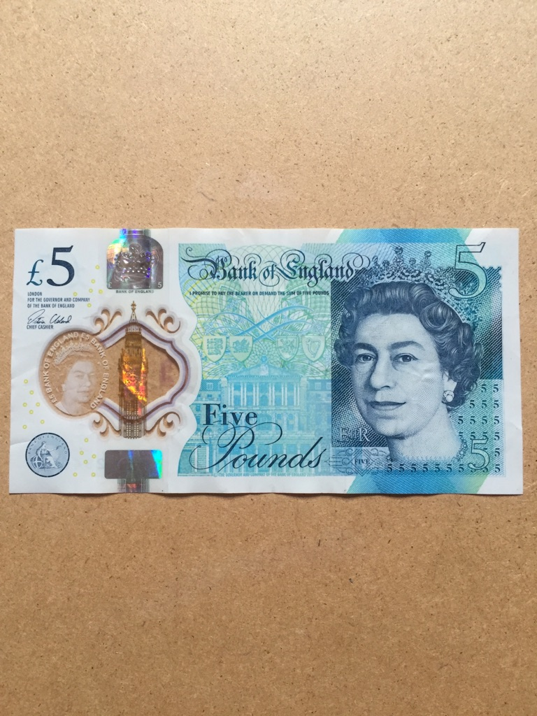 5 pound note AK47 ( 234655 )