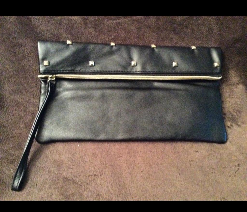 Avon 'London Rocks' Clutch Bag