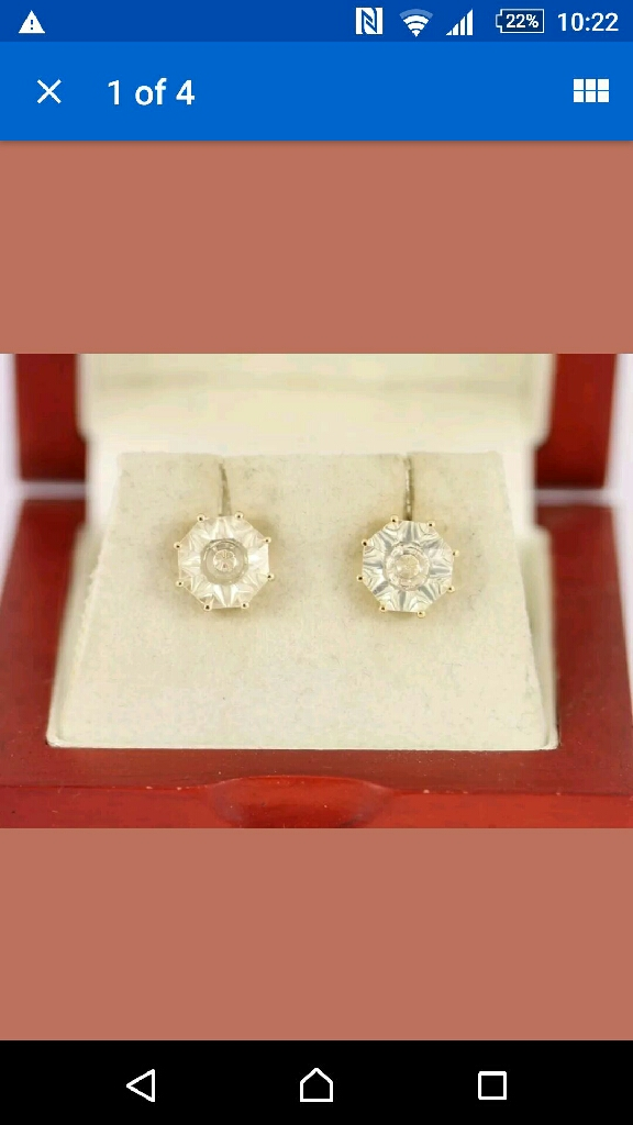 10carat yellow gold serenite stud earrimgs, pre owned