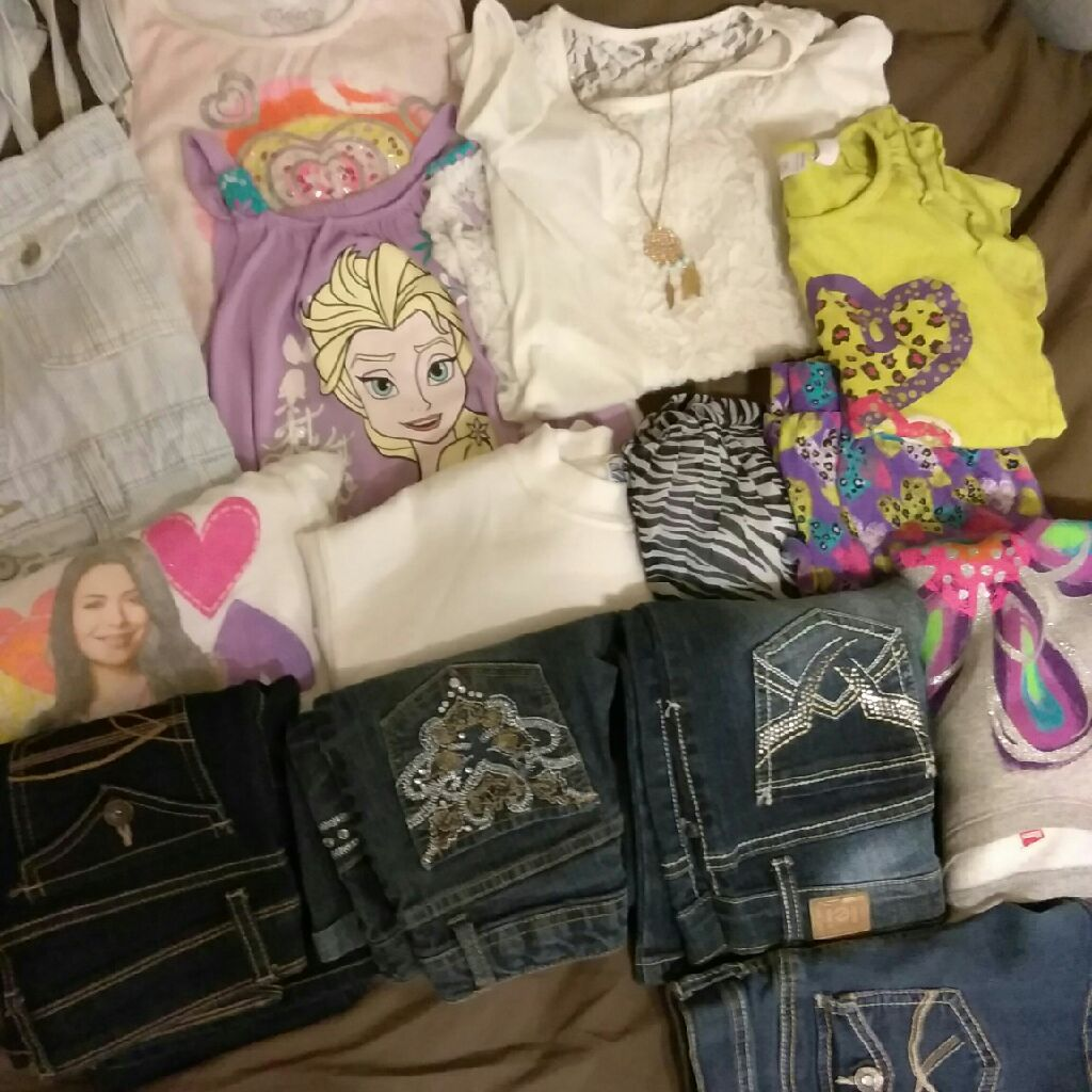 Girls clothes size M, 7/8