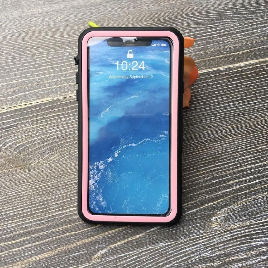 Black/pink iPhone XR waterproof case